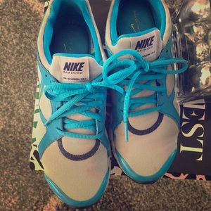 Nike sneaker blue and green